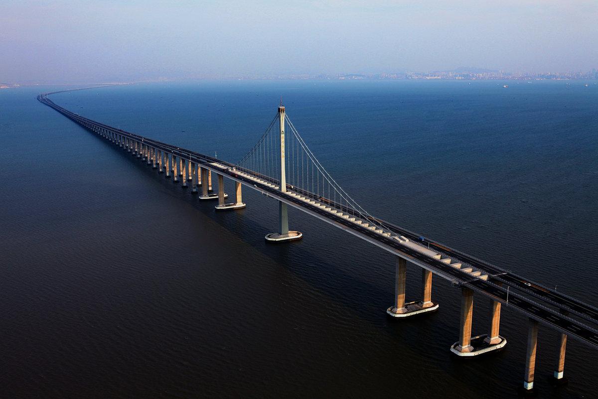 мост изображенный на фотографии соединяет остров с материком произрастания